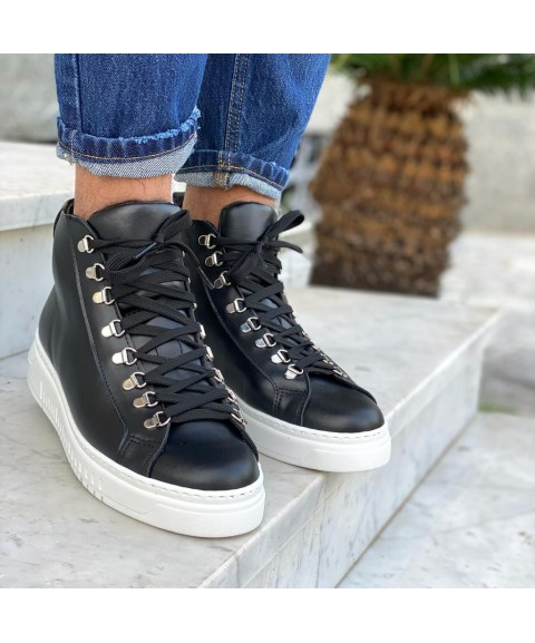 Sneakers alta in pelle nera...